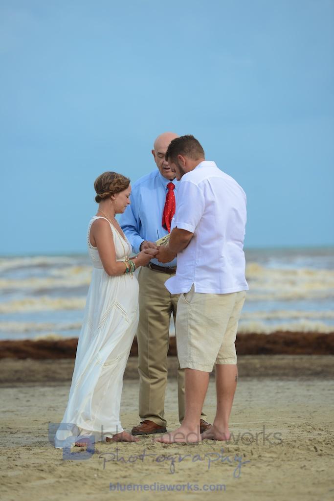 galveston beach wedding in galveston texas beach wedding at the pleasure pier